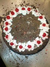 Schwarzwaelder kirschtorte (black forest cherry cake)
