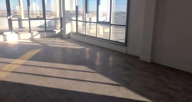 Extraordinario edificio con oficinas disponibles en pol. ind. Aguacate