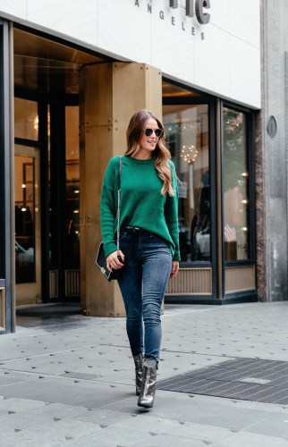 Statement sweaters via A Lo Profile