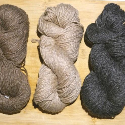 Baby Alpaka Strickgarn in den Farben Champignon braun, raucheiche und schiefergrau
