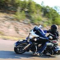 Een Indian Chieftain is een flink uit de kluiten gewassen motor.