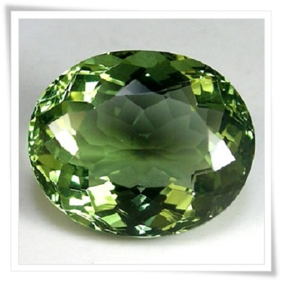 gemstones_GemRock-Wellness_3.8ct. Green Moldavite - VVS (4)