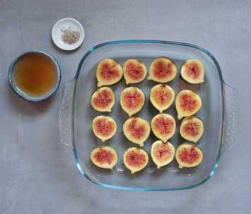tesco_christmas_Dessert_recipes_fig_cardomom_pavlova