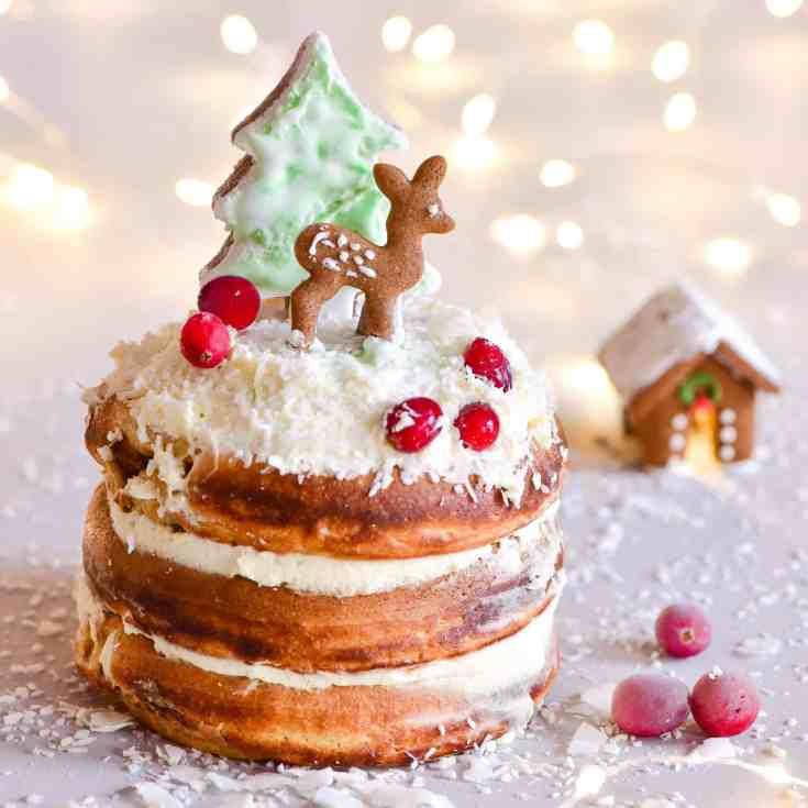 Delicious Christmas fluffy gingerbread pancakes recipe. A wonderful Christmas dessert recipe of Japanese-style fluffy pancakes served with coconut whipped cream and berries
