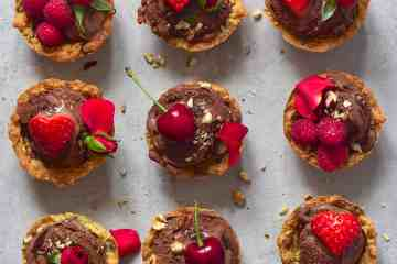 cookie cups recipe ice cream berries roses