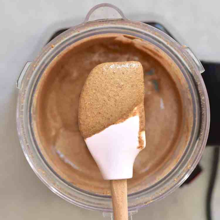 2-ingredient home-made almond butter