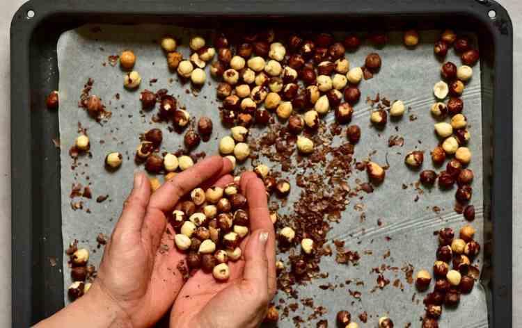 roasting hazelnuts for vegan homemade nutella spread