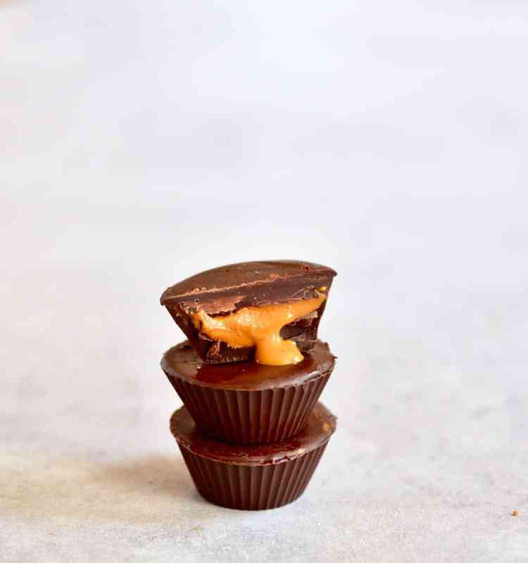 6 Ingredient Healthier Vegan Chocolate Peanut Butter Cups refined sugar free