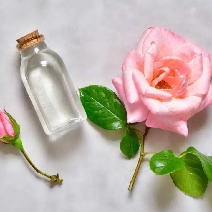 2-Ingredient Organic DIY Rose Water