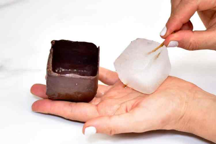 chocolate cups using ice-cubes