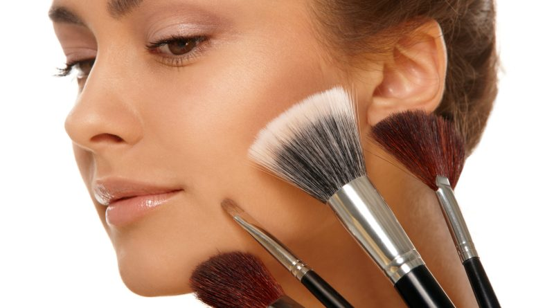 Step-by-Step Guide To Basic Makeup Application For A Rookie