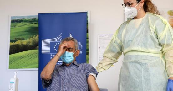 Η Κύπρος είναι αισιόδοξη για τους εμβολιασμούς, λένε Κύπριοι (VIDEO)