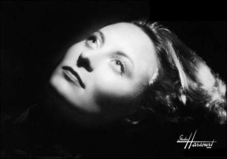Michèle Morgan - Studio Harcourt