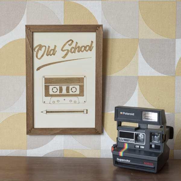 cadre décoration bois old school musique 90's cassette crayon vintage