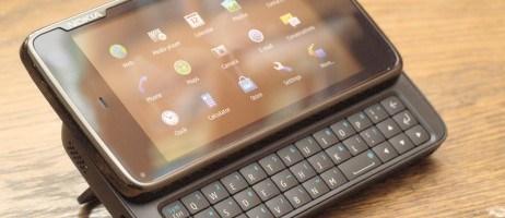 Nokia N900: phone or pocket computer?