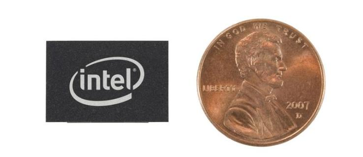 Intel launches fingertip-sized flash drives