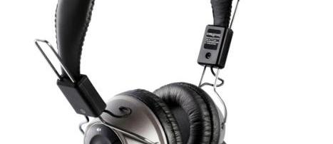 Creative HS-1200 review