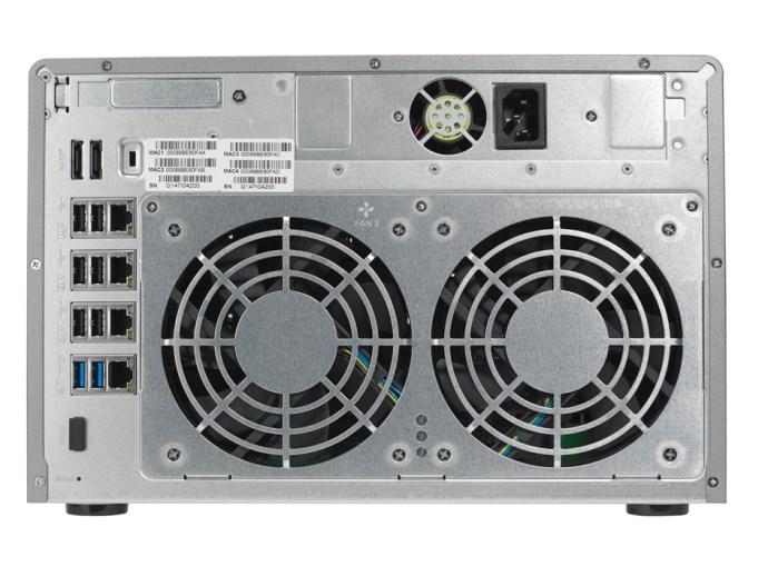Qnap TS-EC880Pro - rear