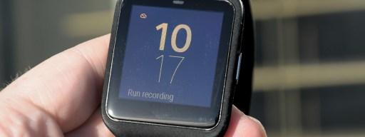 Sony Smartwatch 3 - transflective screen in full sunlight