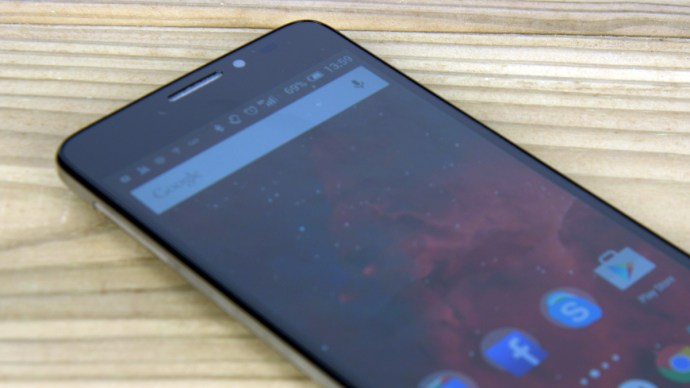 Alcatel Onetouch Idol X+ review - Screen close up
