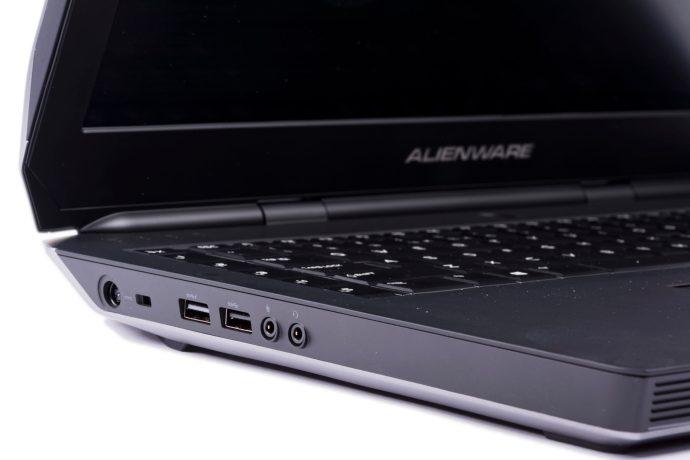 Dell Alienware 17 R2 - ports