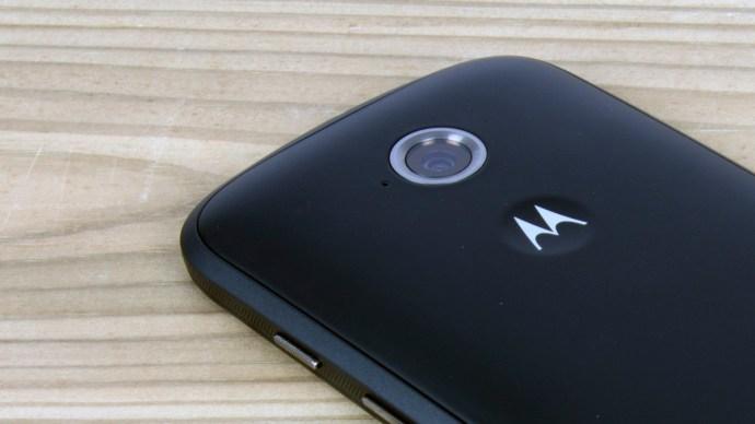 Motorola Moto E (2015) Review - camera close