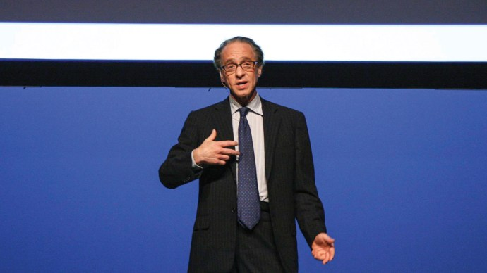 tech-is-rewiring-your-brain-ray-kurzweil-credit-to-ed-schiphul