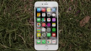 Apple iPhone 6 review: Upright