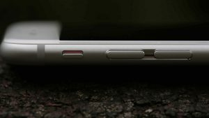 Apple iPhone 6 review: Volume buttons close-up