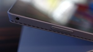 Surface Pro 3 review headphone, volume and front-facing speakers