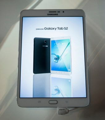 samsung_galaxy_tab_s2_-_front_face_on