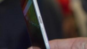 Google Nexus 6P review: Right edge