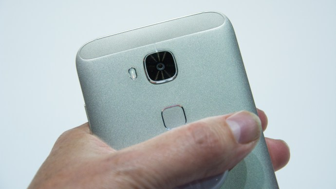 Huwawei G8 review: Rear and camera