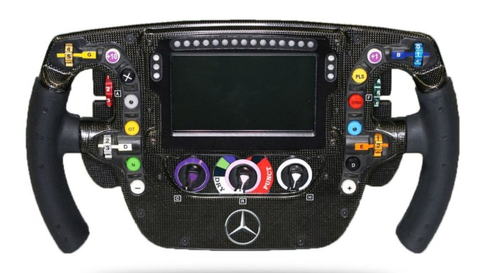 mp4-29_steering-wheel