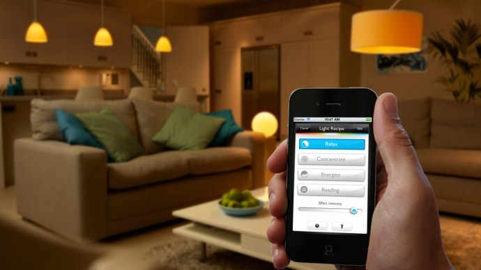 philips-hue-go-app-and-living-room