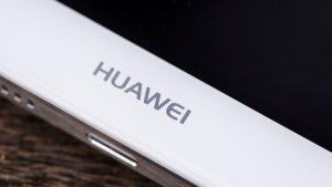 Huawei Mate 8 review: Huawei logo