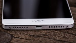Huawei Mate 8 review: Bottom edge closeup