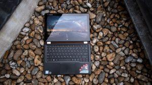 Lenovo Yoga 700 review: Folded flat