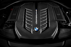bmw_7_series_review_2015_14