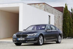 bmw_7_series_review_2015_26