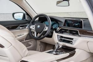 bmw_7_series_review_2015_30