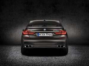 bmw_7_series_review_2015_4