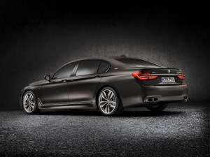 bmw_7_series_review_2015_6