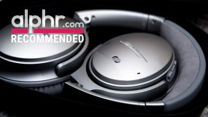 Bose QuietComfort 35 lead image with award