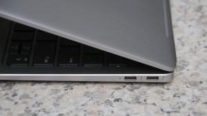 HP EliteBook Folio G1 right edge closeup