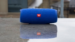 JBL Charge 3 front, lead image