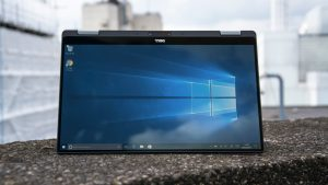 """Dell XPS 13 2-in-1 in """"tent mode"""""""