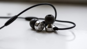 best_earphones_in_2017_-_rha_ma750i