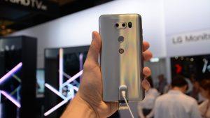 lg_v30_smartphone_back