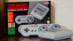 snes_nintendo_classic_mini_console_and_box_